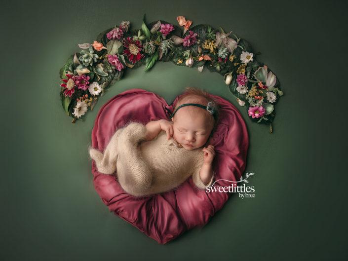 reginanewbornphotographer 2 705x529 - Newborn