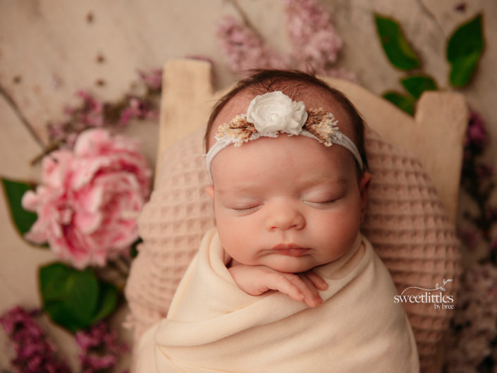 reginanewbornphotographer2 2 705x529 - Newborn
