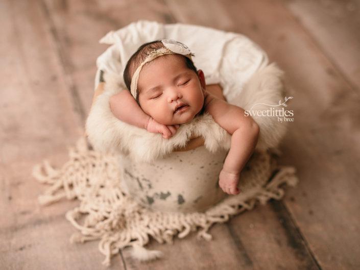 DSC 0692 copy 705x529 - Newborn